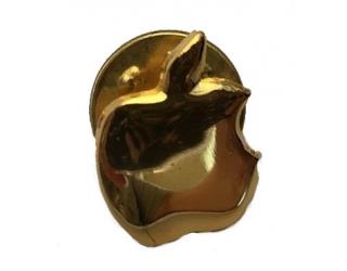 Apple kitűző