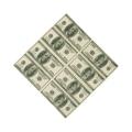 100 dolláros papírzsebkendő széthajtva